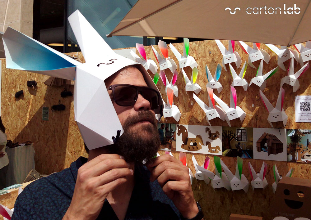 recycling-market-ecoembes-cartonlab-taller-carton-niños (15)