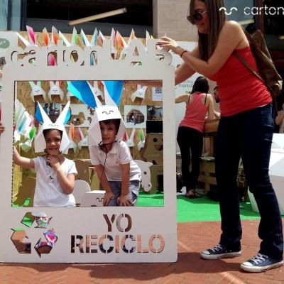 recycling-market-ecoembes-cartonlab-taller-carton-niños (16)
