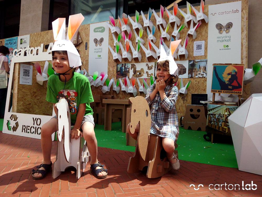 recycling-market-ecoembes-cartonlab-taller-carton-niños (8)