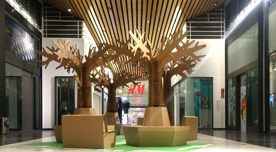 decoracion navideña centro comercial arbol carton area descanso islazul cartonlab