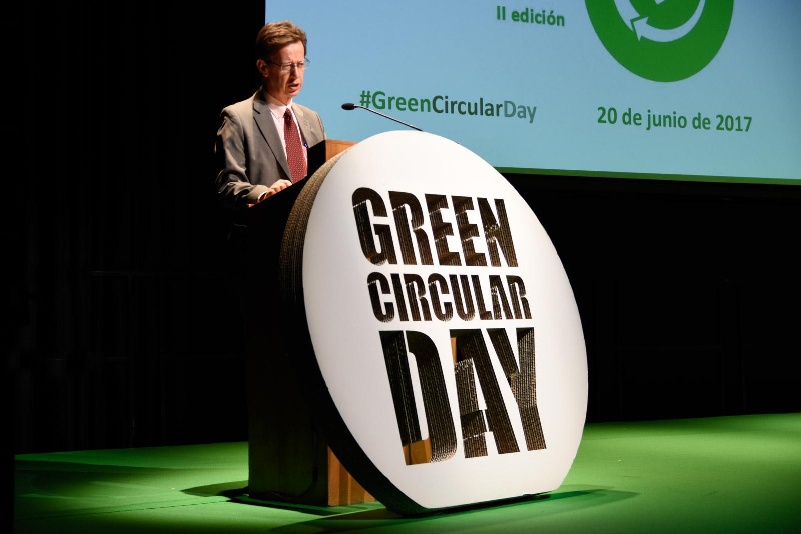 corporeo atril carton escenario evento green circular day