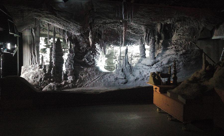cueva-de-carton-processo-grottesco-arte-07