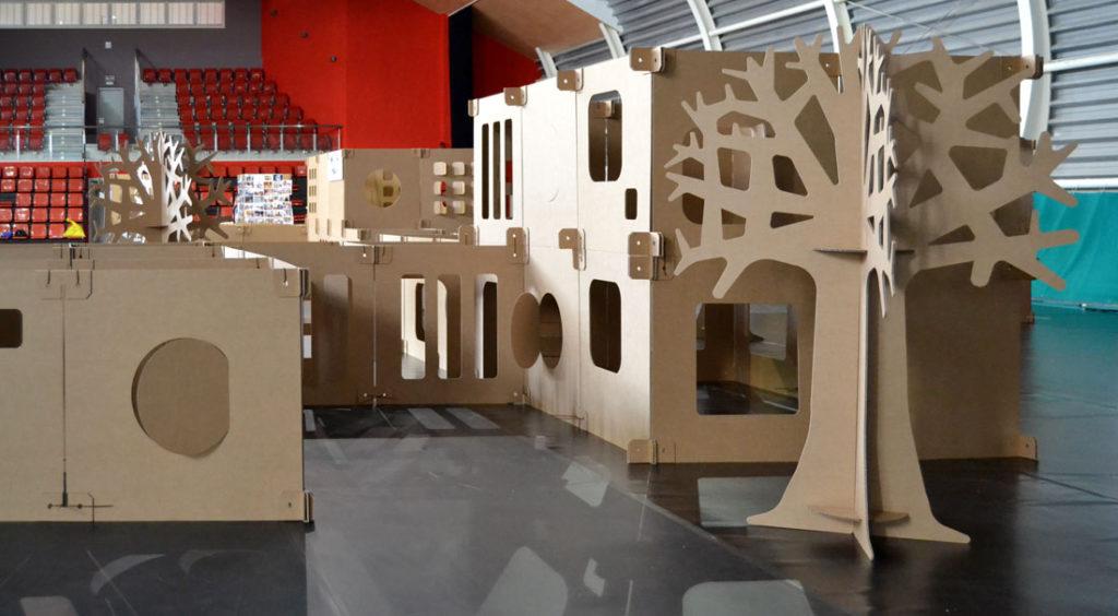 ciudad de cartón niños laberinto maze cardboard Cartonlab