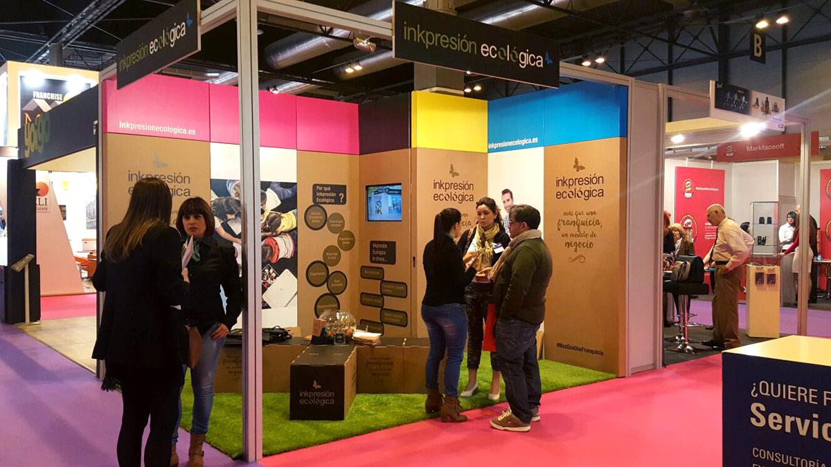organizacion de eventos sostenibles stand expofranquicia inkpresion ecologica carton cartonlab