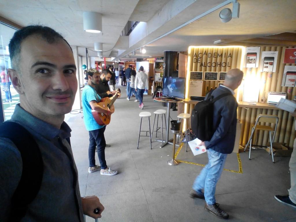 startup-zinc-shower-cartonlab-coam