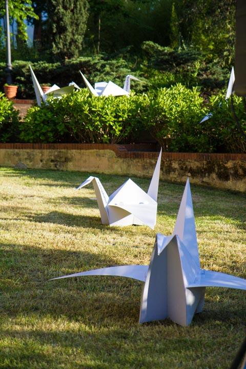 pajarita-gigante-carton-cartonlab-origami-papiroflexia-avuelapluma