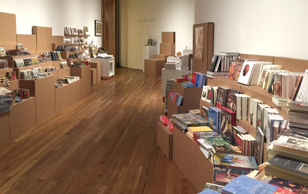 expositor carton el bosco tienda efimera exposicion museo prado merchandising cartonlab