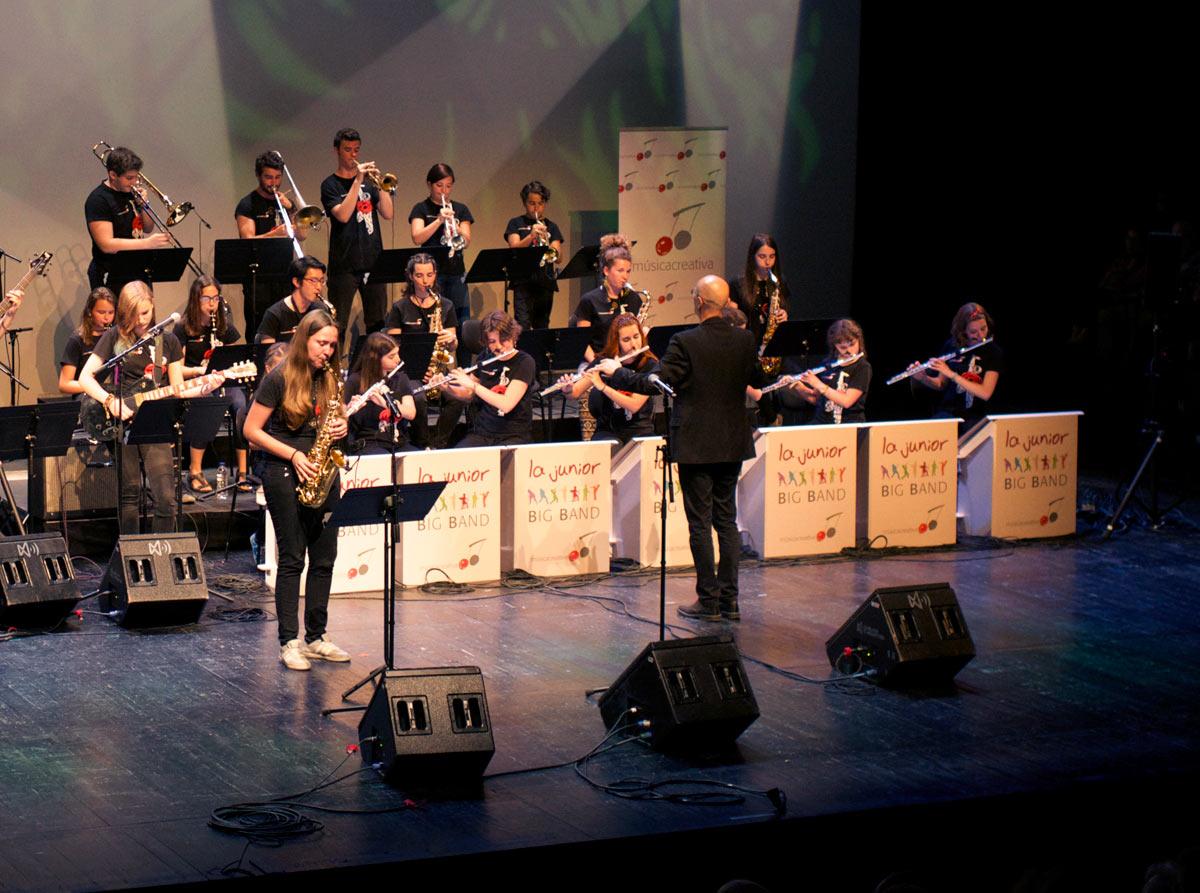 atriles-carton-concierto-cartonlab-juniorbigband