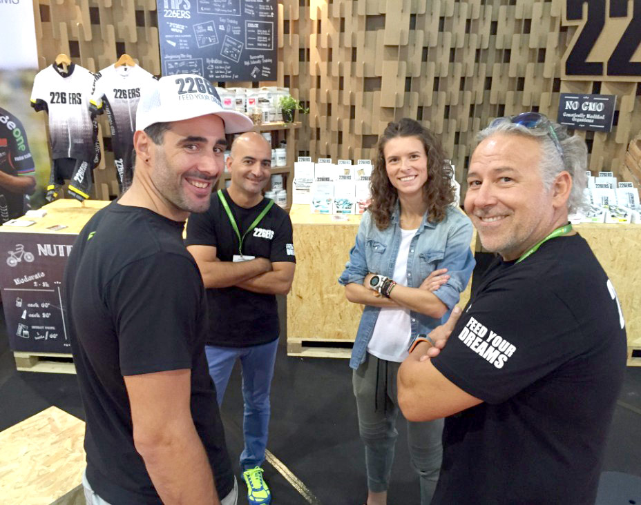 equipo-stand-226ers-carton-unibike-madrid-ifema