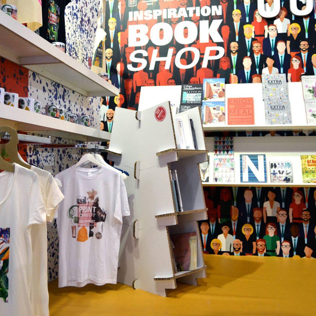 estanteria carton reboard bookshelf modular cartonlab decoracion interiorismo retail tienda negocio expositor diseñada por Cartonlab