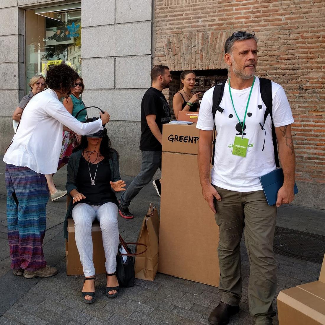 muebles-greenpeace-ecologicos-mostrador-carton-02