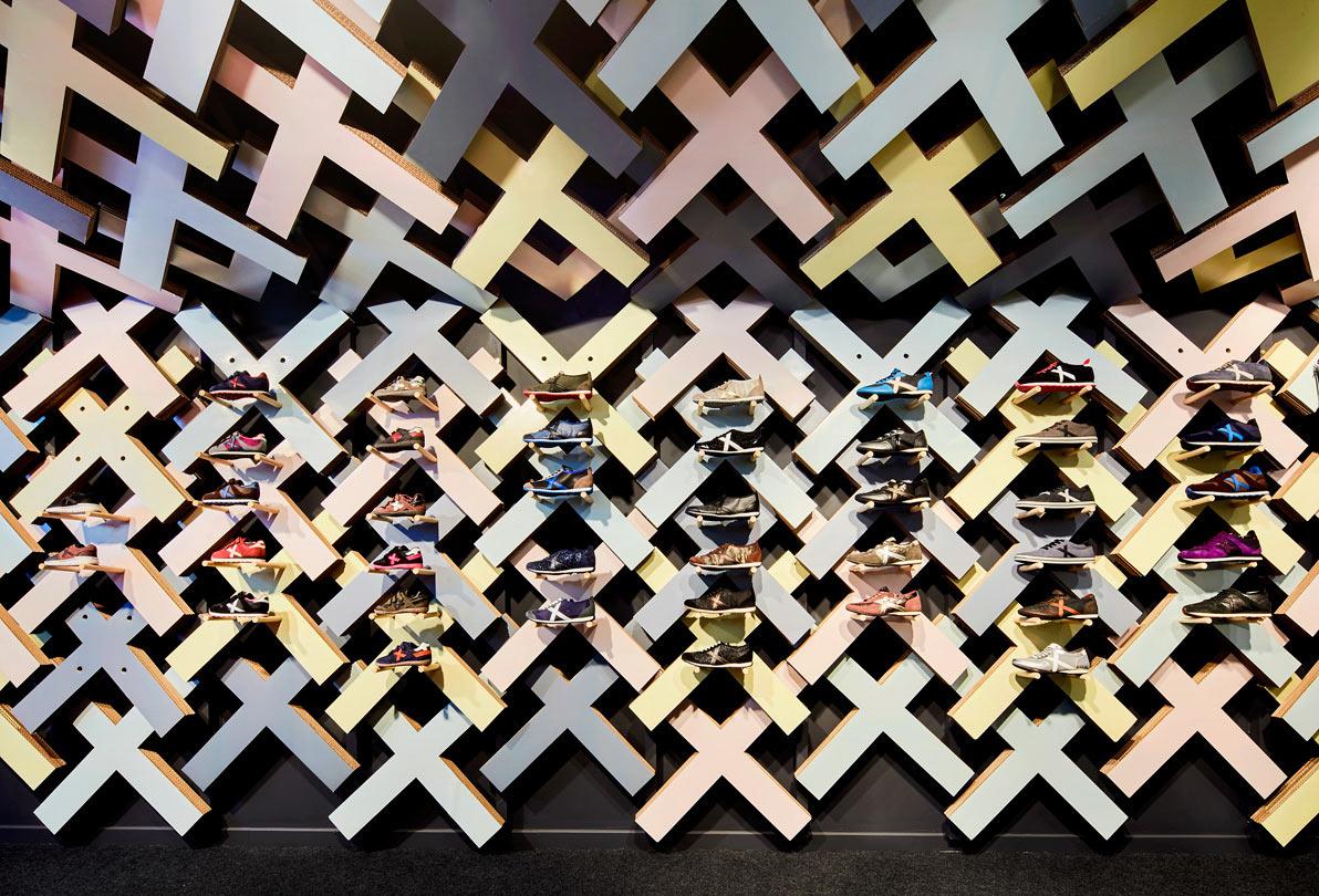 pop-up-store-calzado-munich-cartonlab-studio-animal-280x-02