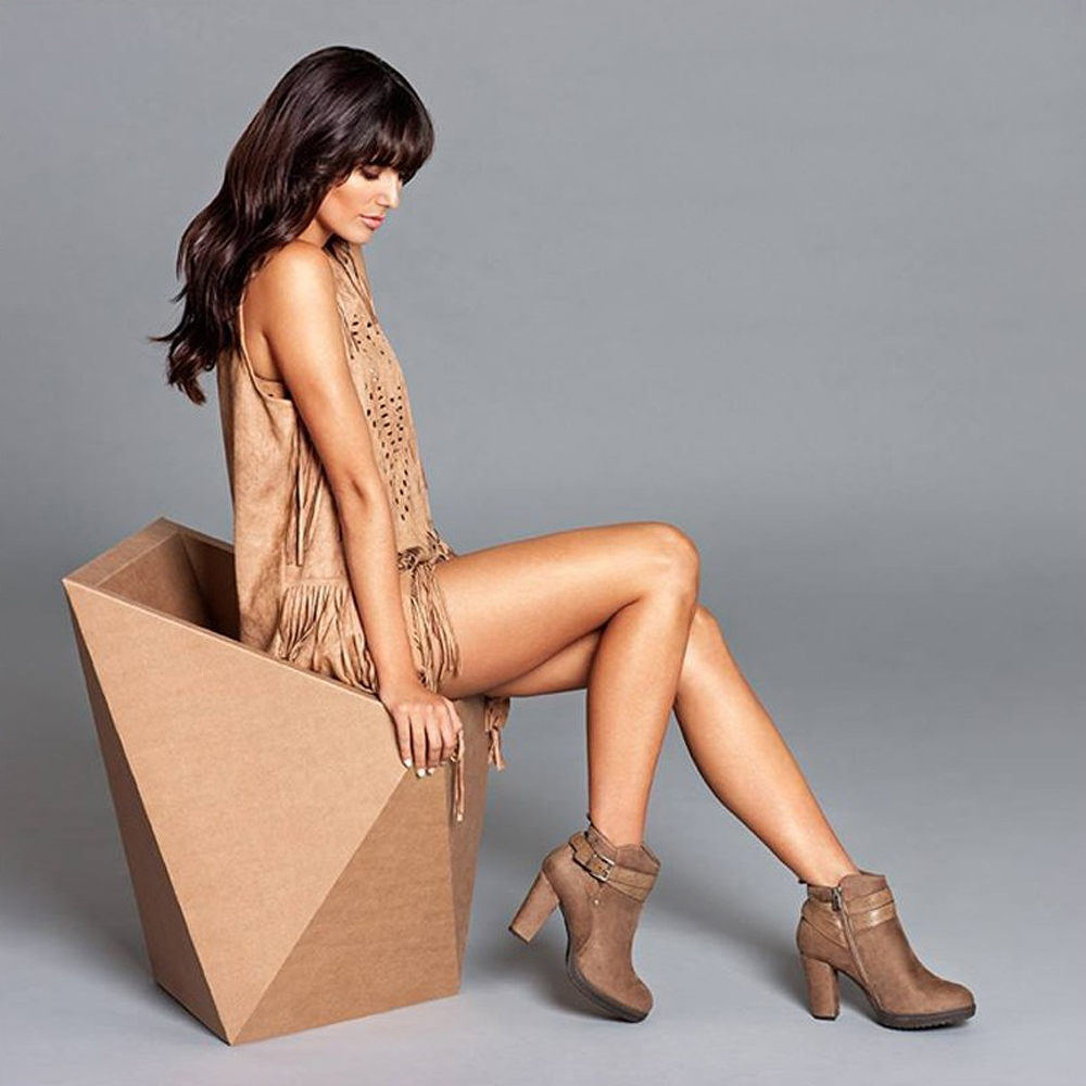 silla-carton-faceta-cartonlab-cardboard-chair-atrezzo-