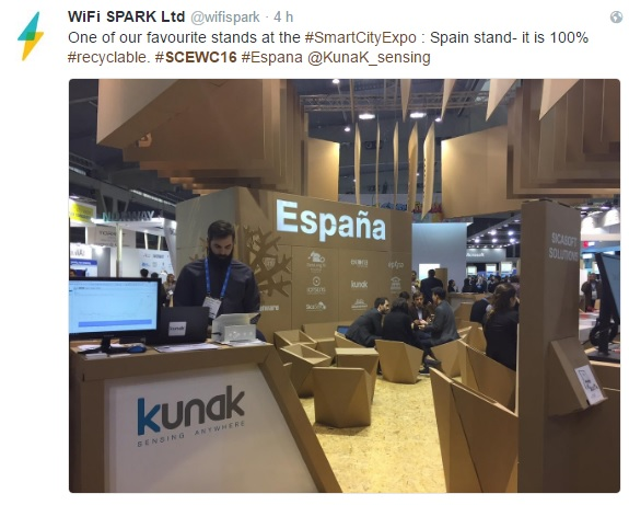 smart-city-expo-cardboard-booth-twitter8