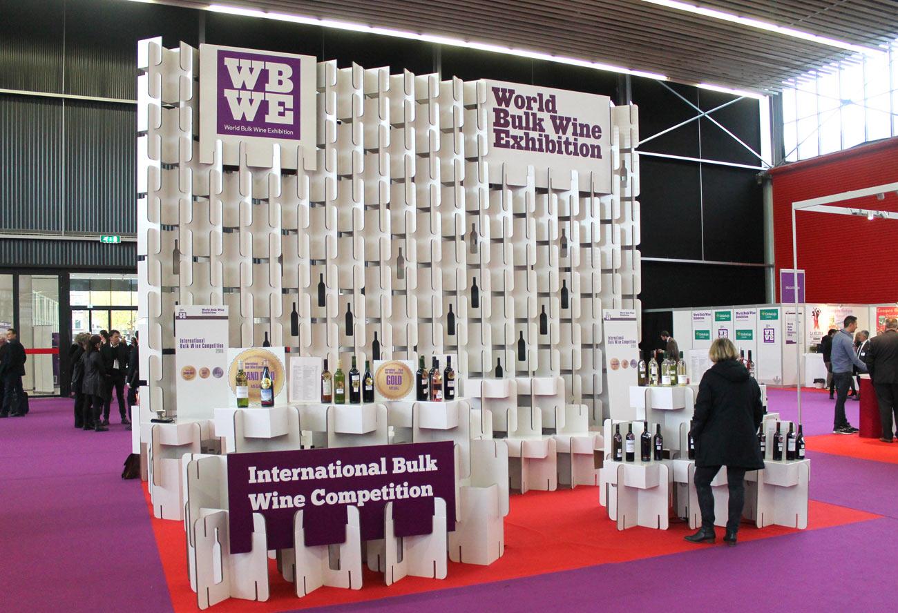 organizacion de eventos sostenibles muro celosia sistema modular carton
