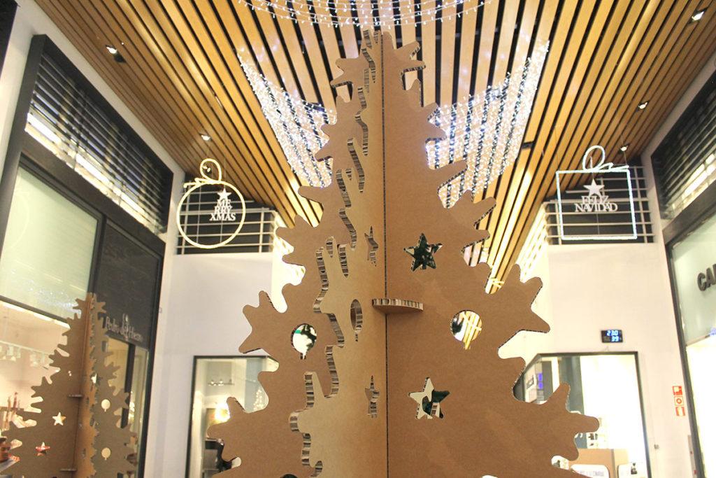 arbol navidad de carton centro comercial isla azul ciclalab econavidad arbol navidad decoracion