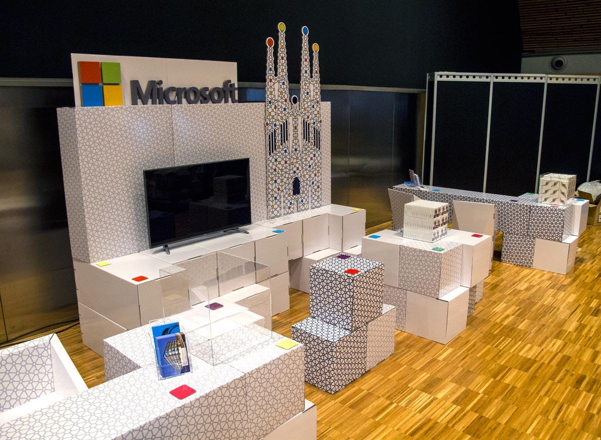 stand cubos carton microsoft barcelona