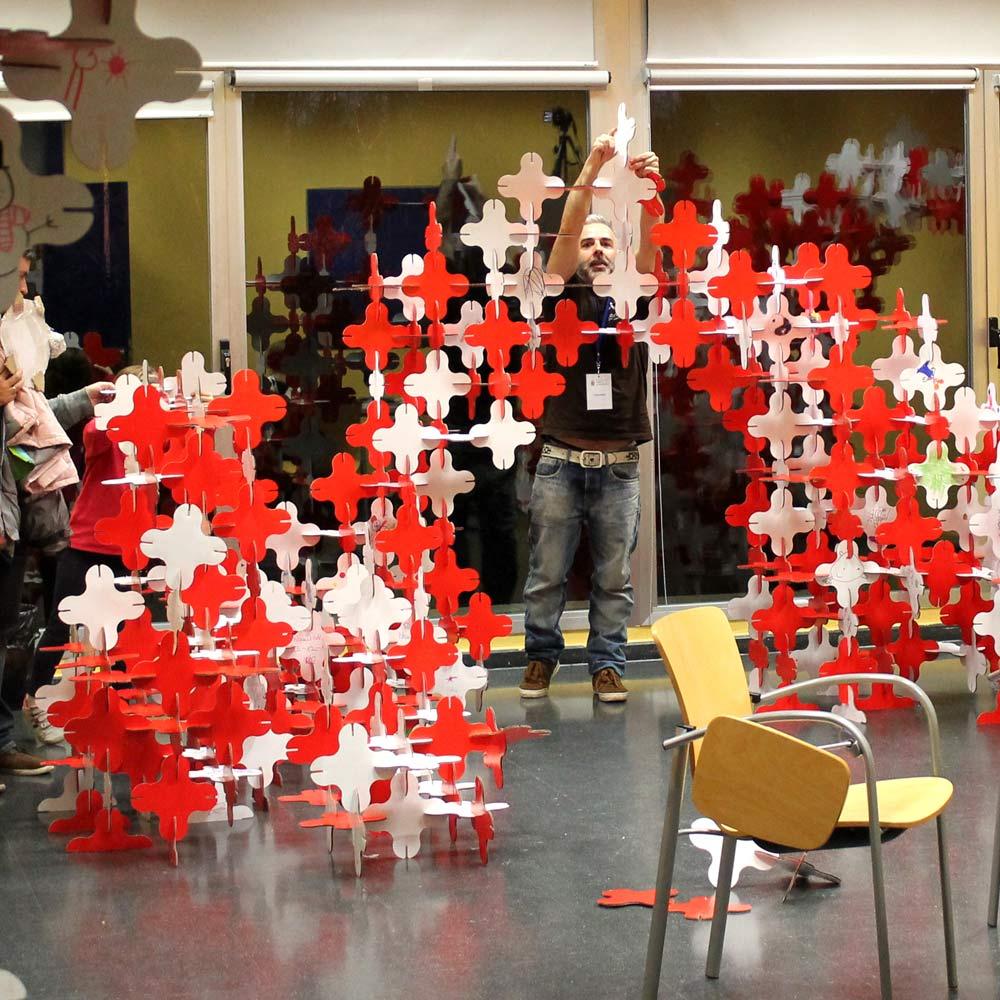 talleres-infantiles-navidad-pozuelo-estructuras-magicas-carton-cartonlab6