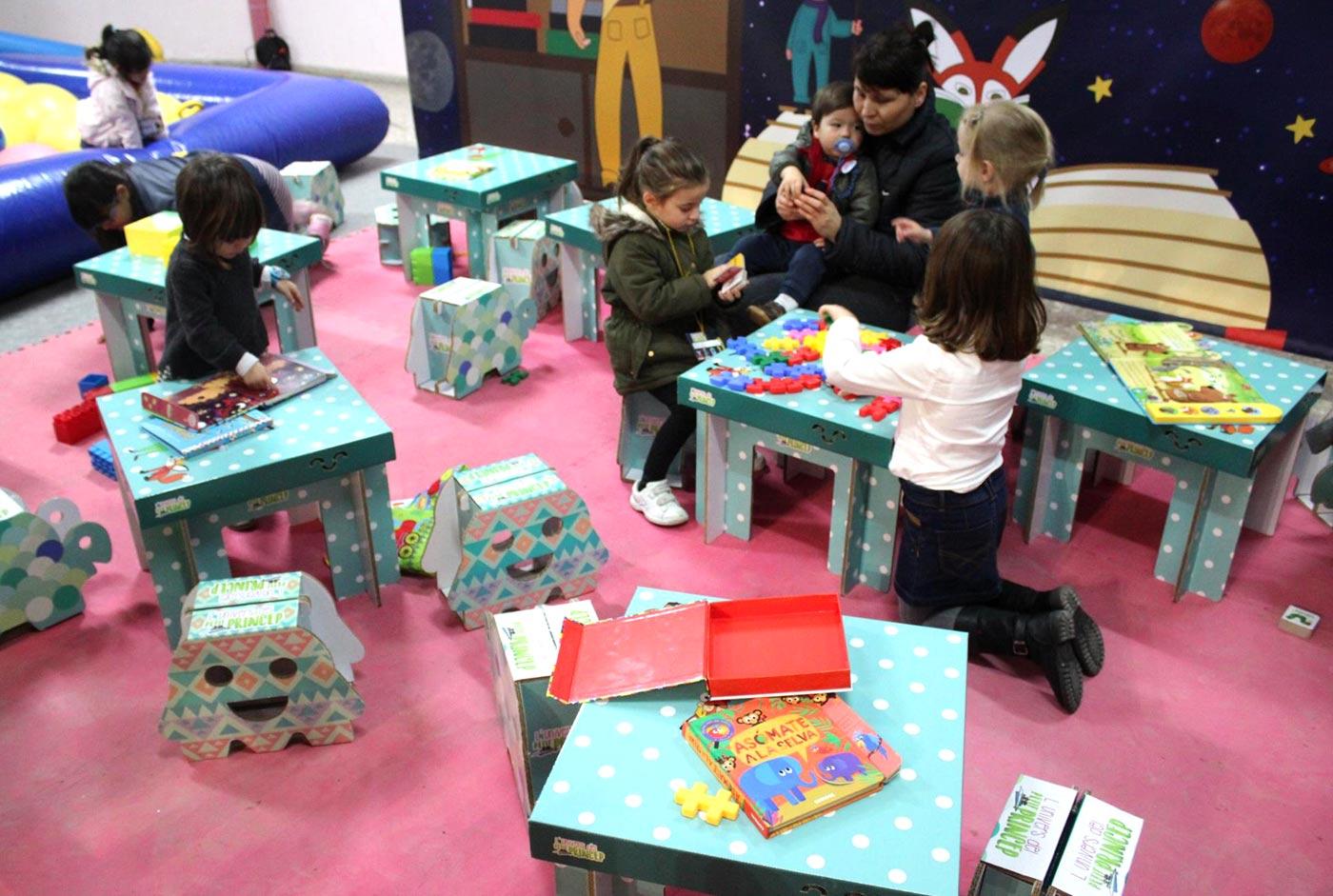 decoracion mobiliario diseño de ludotecas carton cartonlab muebles niños infantil 02