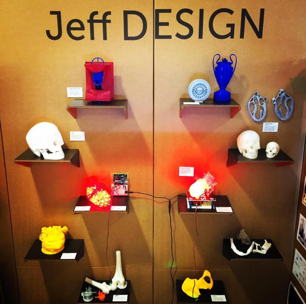 jeffdesign university sxsw booth cardboard 02