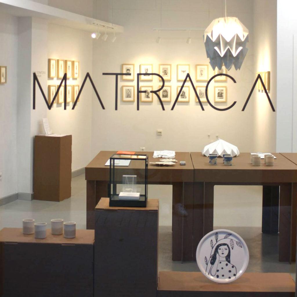 matraca concept store diseño interiores interiorismo comercial sostenible muebles ecologicos carton cartonlab