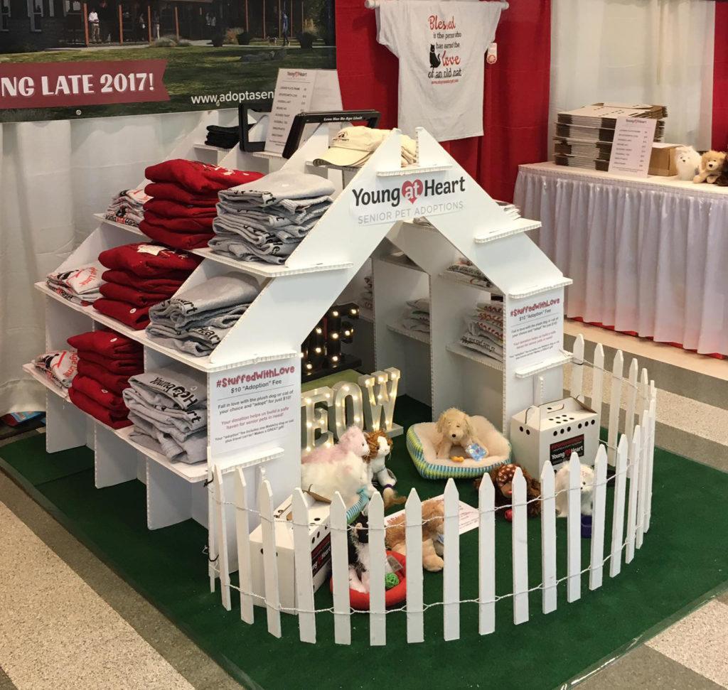 casita estanteria expositor tienda animales feria evento personalizado productos