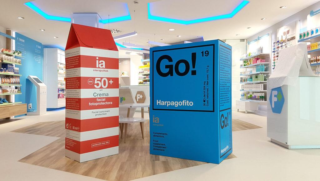 decoración de farmacias packaging farmaceutico escala real interiorismo retail interapotek producido por Cartonlab.