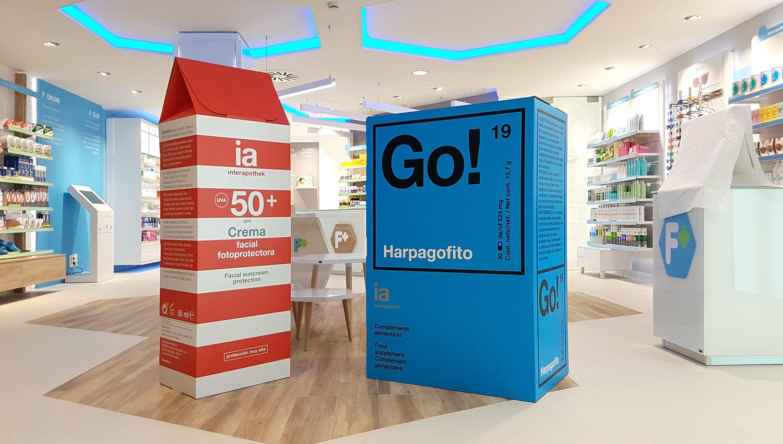 decoración de farmacias packaging farmaceutico escala real interiorismo interapotek producido por Cartonlab.