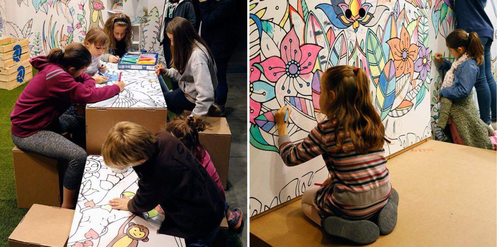stand Handmade Festival Staedtler interactivo ilustrado coloreado por el público decoracion feria diy makers evento taller manualidades pintura pintar colorear colores diseñado por Cartonlab.