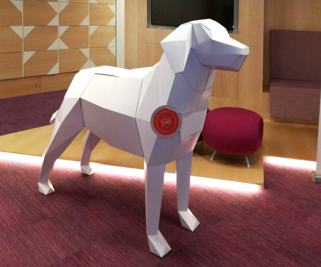 perro carton decoracion Roche