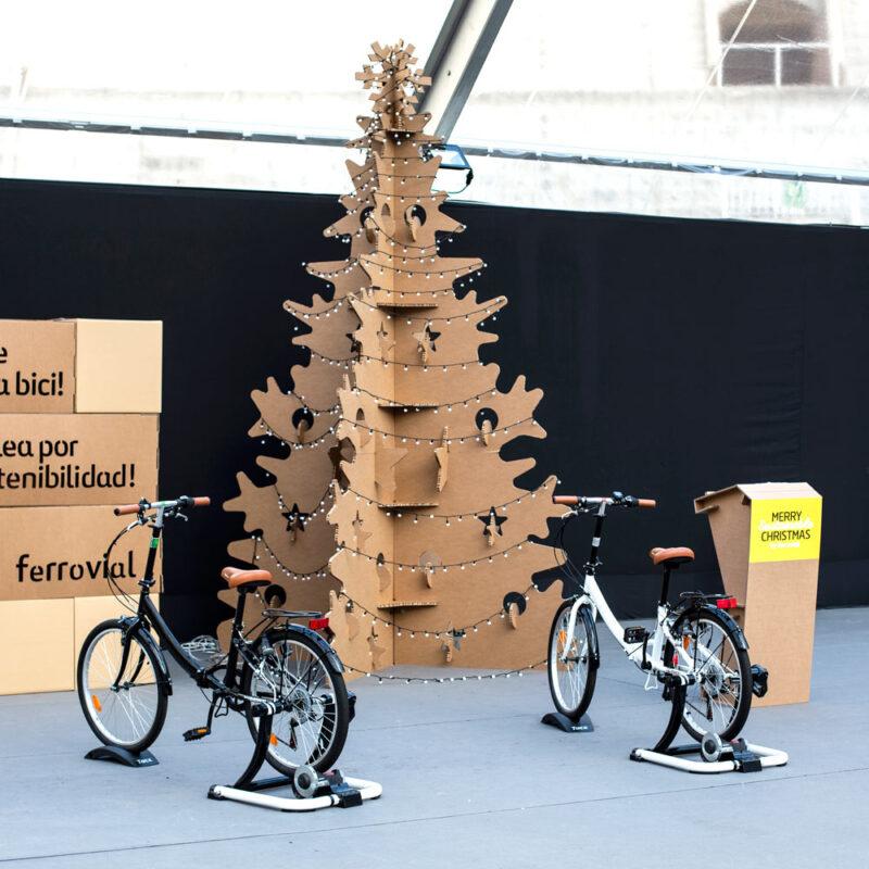 árbol navidad gigante eventos sostenibles carton