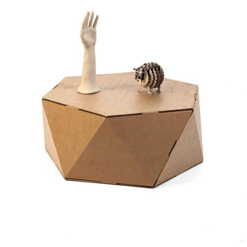 mesa hexagonal modelo faceta de carton