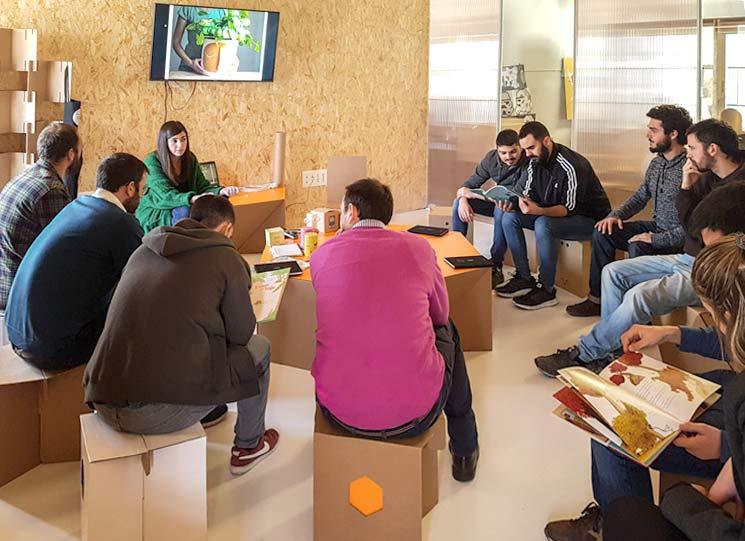 Maria Moya taller Cartonlab conferencia