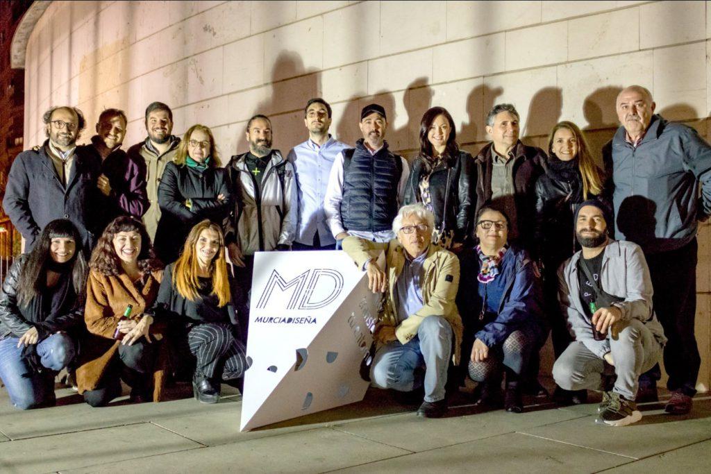 Foto de grupo de Murcia Diseña en torno al corpóreo