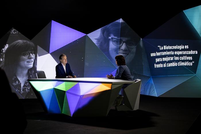 Entrevista taburetes diseño decorado televisión