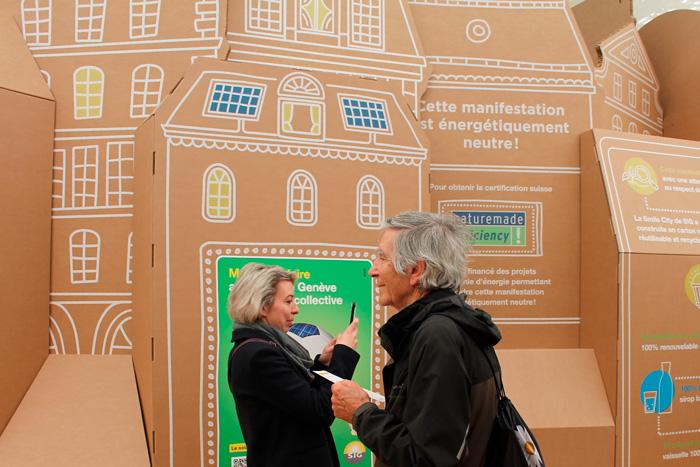 Asistentes atentos al diseño de exposiciones internacionales