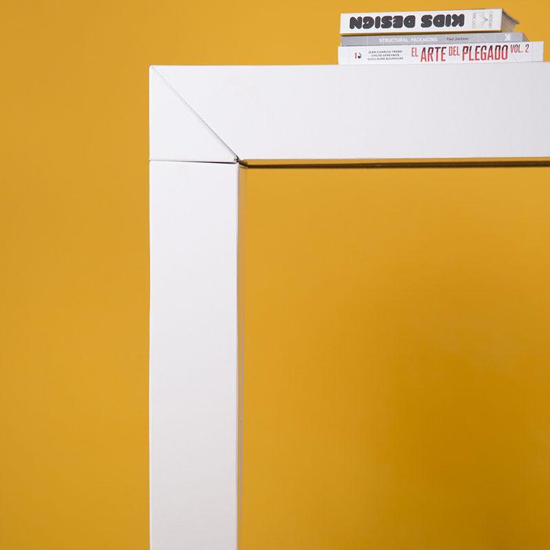 mesa mostrador UP blanco detalle cartonlab