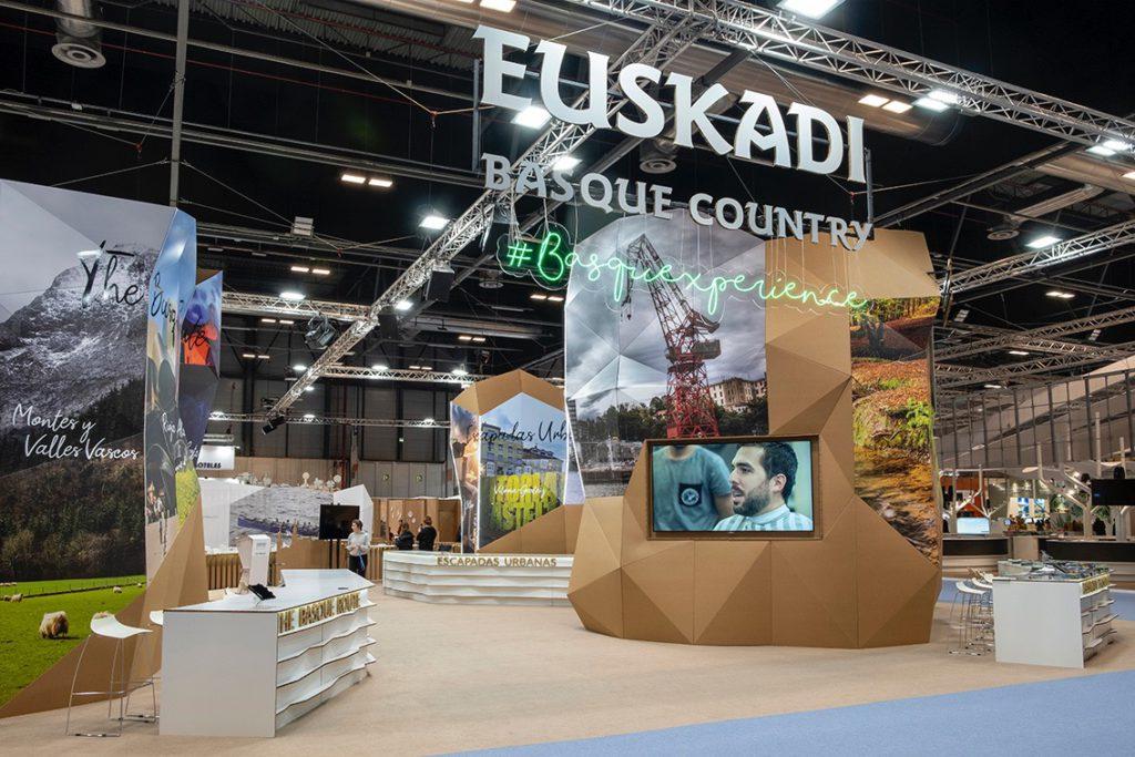 Vista general de stand ecológico para Fitur de Euskadi