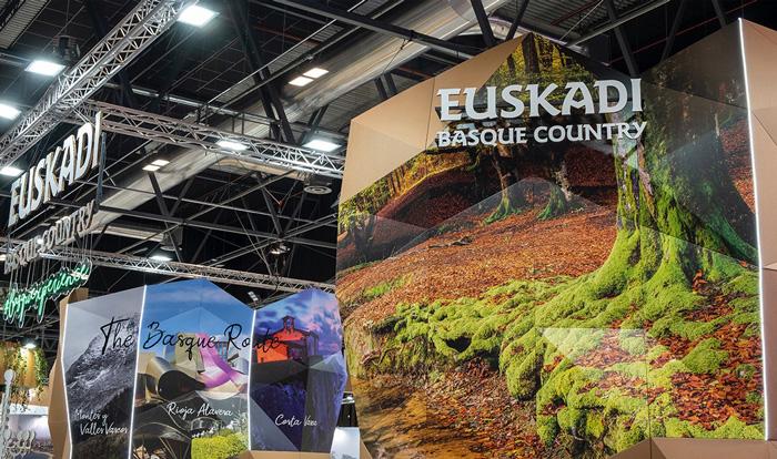 Impresiones digitales gran formato stand de Euskadi