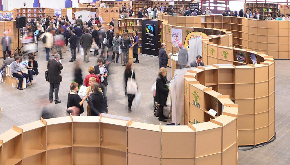 stand carton evento sostenible foretica