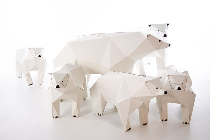 lowpolly polar bear cardboard paper design.