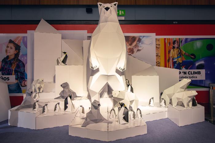 Polar bear cardboard design