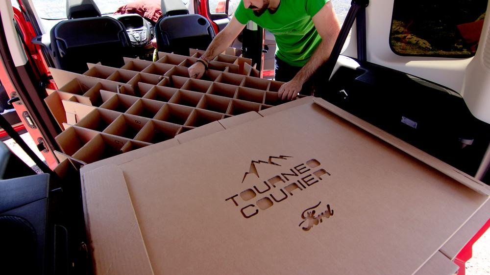 Camperizar furgonetas con cartón. Cama.