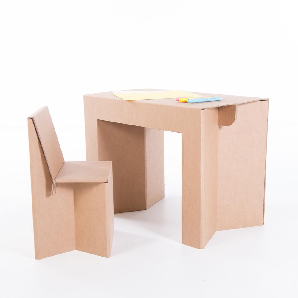 Mesa y silla infantil. Plegables