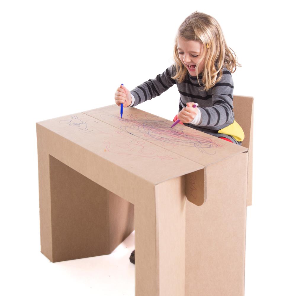 Pintando el escritorio plegable infantil