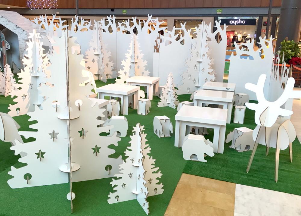 Árboles y renos ecológicos para centro comercial